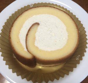 たっぷりクリームのロールケーキ