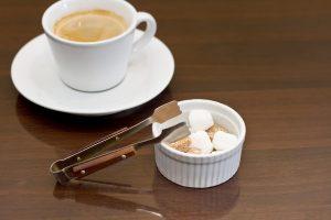 コーヒーと砂糖