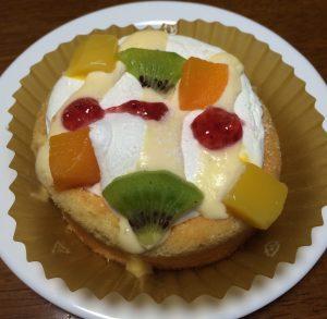 フルーツのせのせパンケーキ