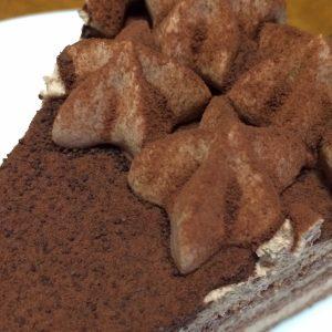 チョコクリームとココアパウダー