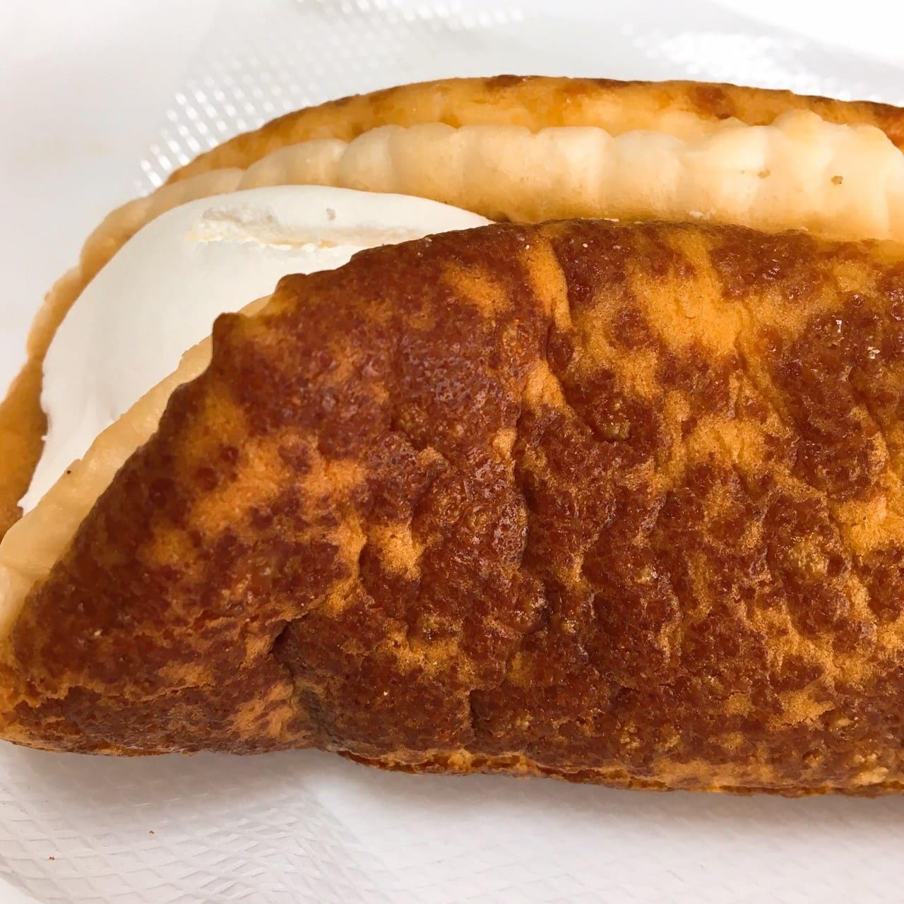 チーズ好きのためのチーズケーキ側面